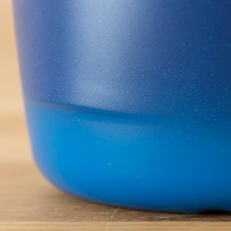 樹脂製ならではの綺麗な発色。