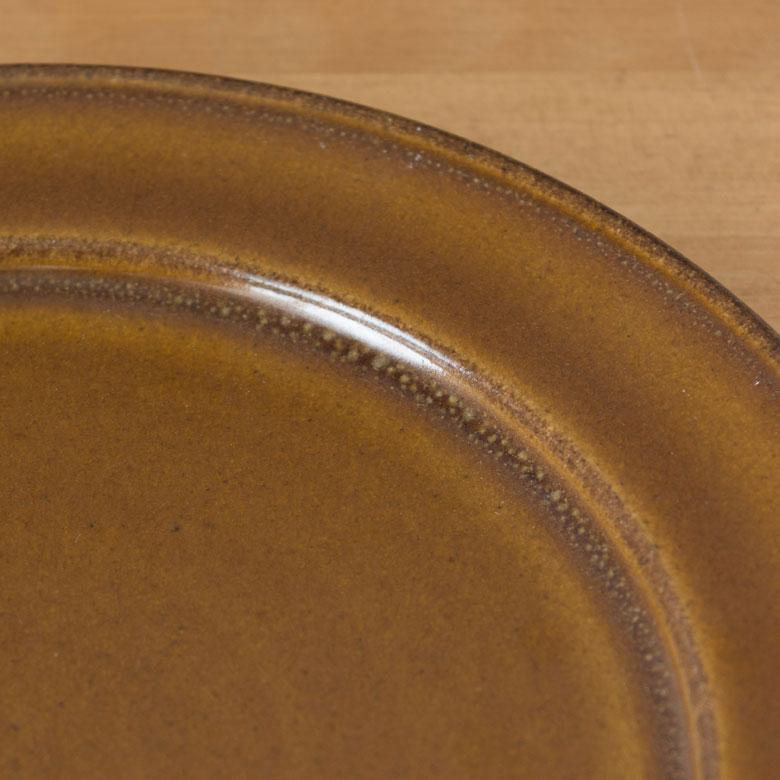 陶器の丸プレート