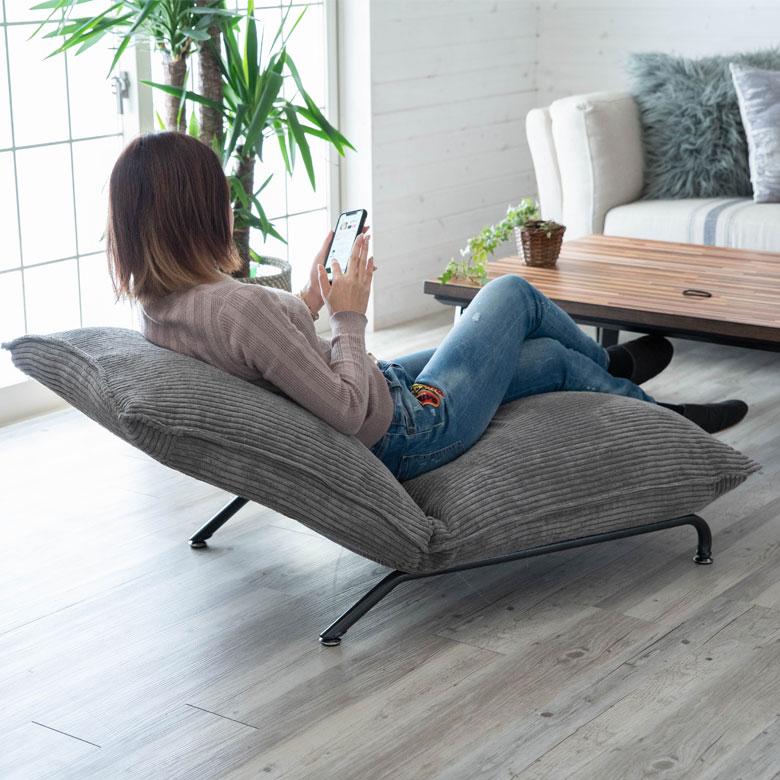 一人掛けでどこでも設置できるから、日常に溶け込みやすい