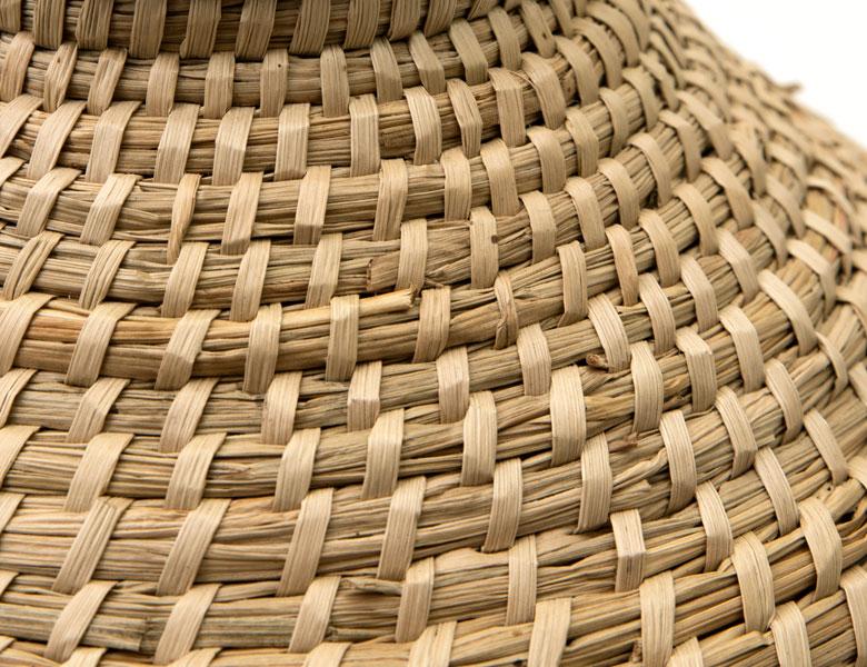 ハンドメイドならではのザックリとした編み目と、ナチュラルな風合いが魅力のシーグラス