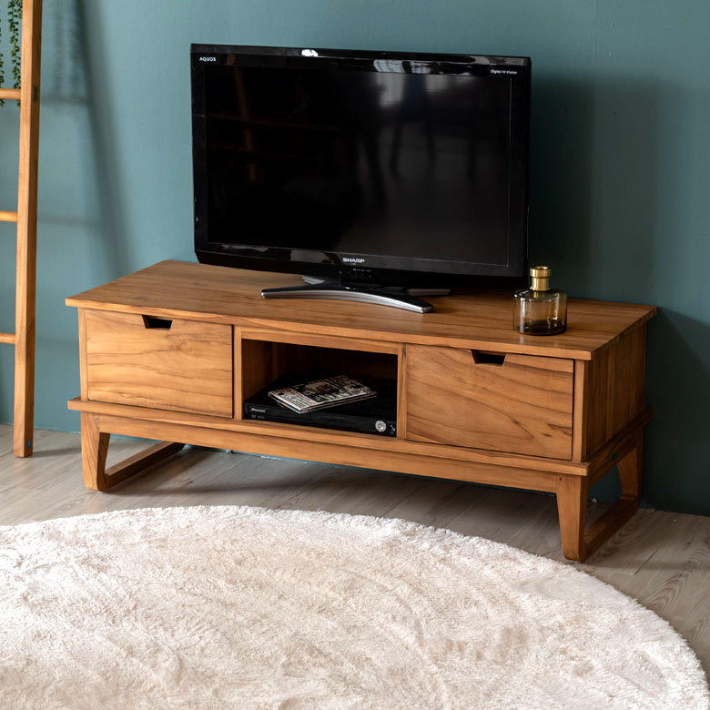 チーク材の特性を生かし、贅沢に無垢にこだわって作ったテレビボードです