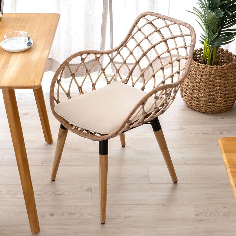 木製の椅子 バレリーナ