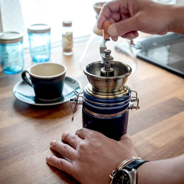 休日のゆったりした朝にコーヒーを