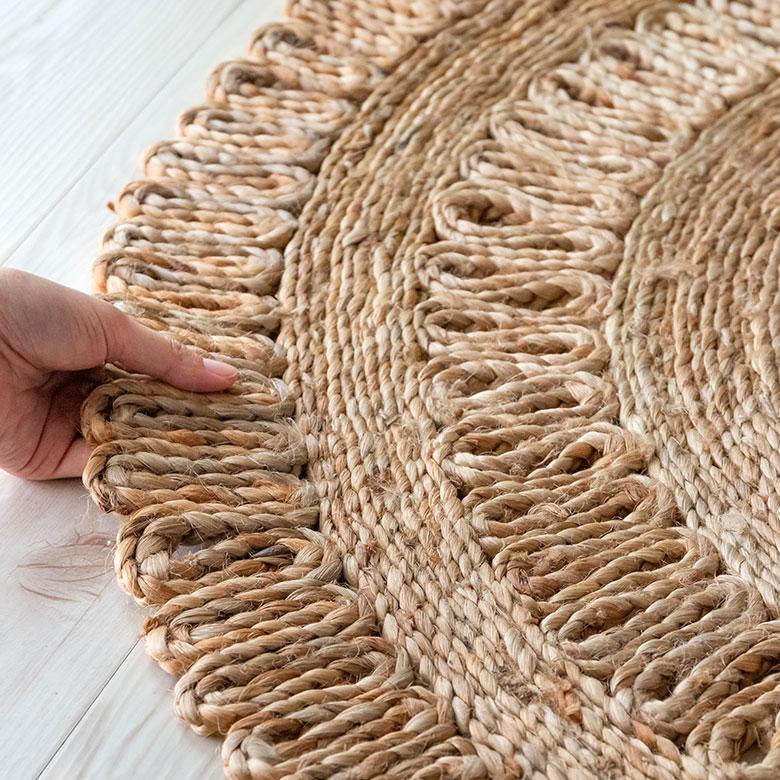 天然素材のジュート100%使用。しっかりとした素材感。