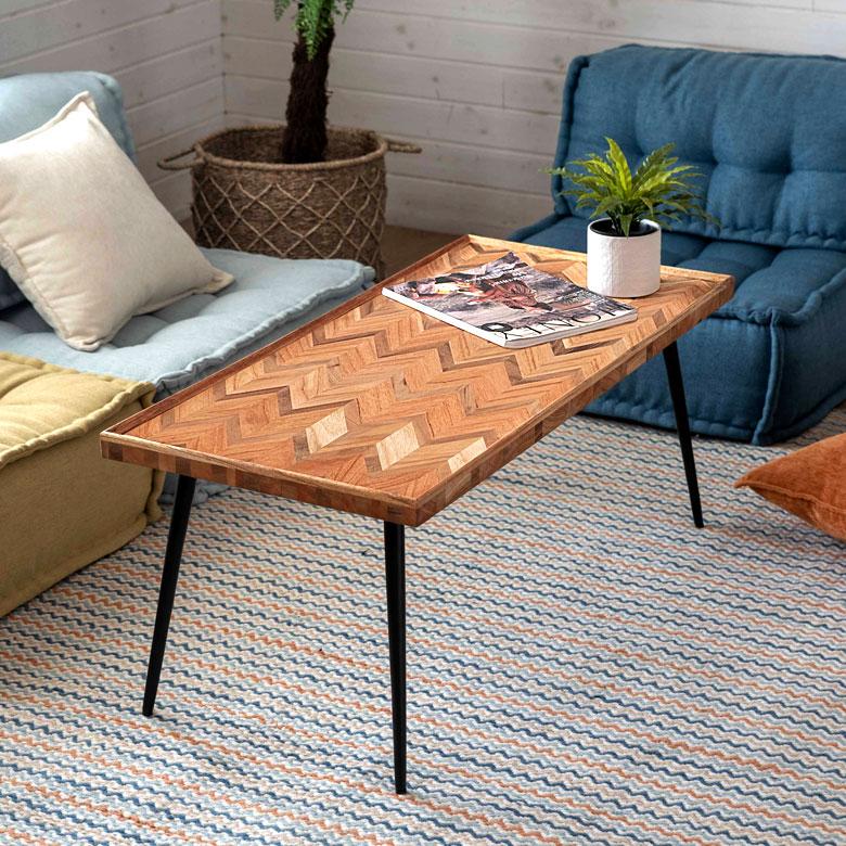 ヘリンボーン模様のコーヒーテーブル