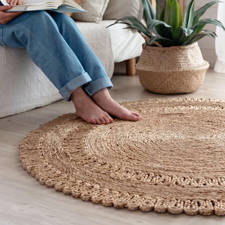 天然のグラデーションや、編み目模様が素敵