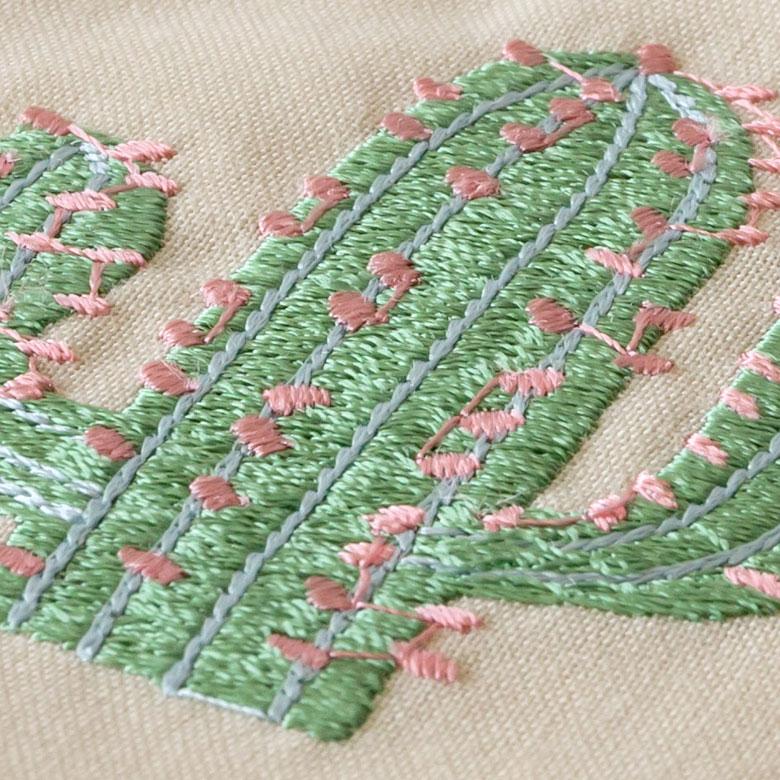 ベトナムならではの美しい刺繍