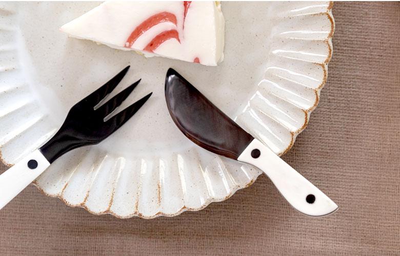 デザートスプーン。デザートナイフ。デザートフォーク。