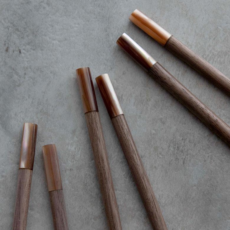 硬く粘りのある丈夫な材質かつ軽くて扱いやすい優れた木材