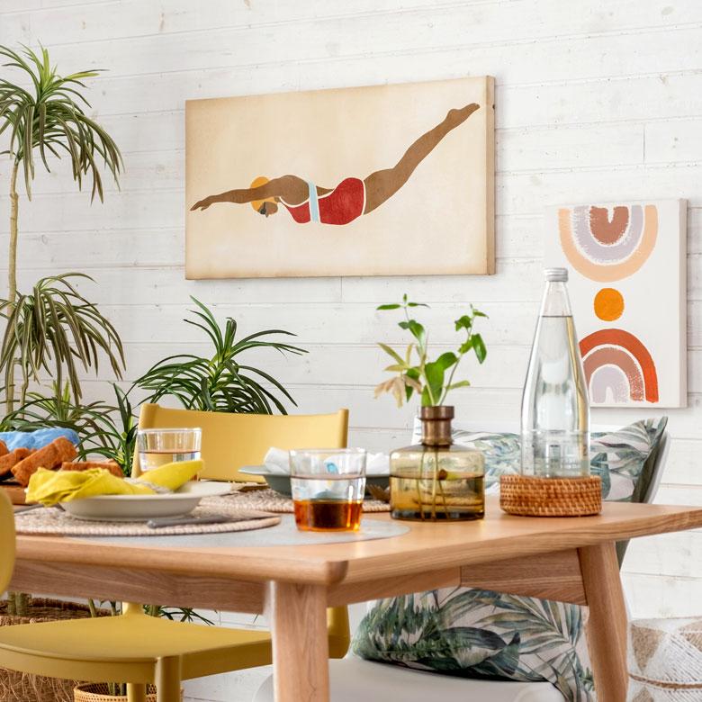 レトロポップなデザインが魅力のアート。ダイニングやリビングや店舗用でも大活躍