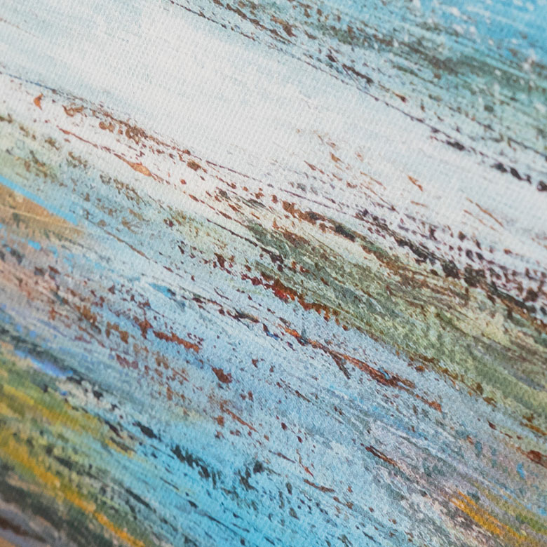穏やかな海岸を柔らかいタッチで描いた、温かみのあるアート