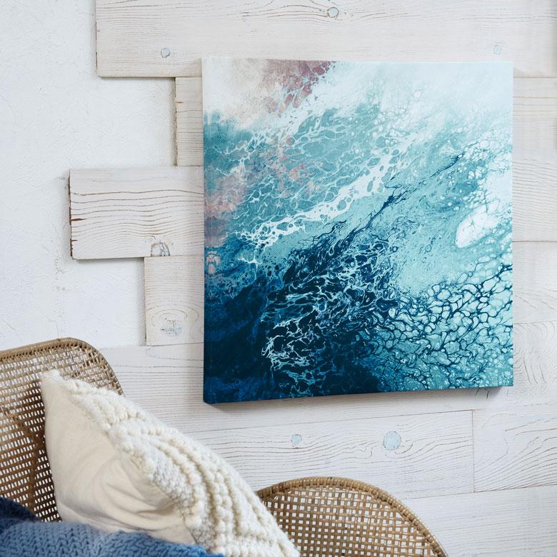 海を連想させる、マーブル模様の抽象画アート。アジアティール