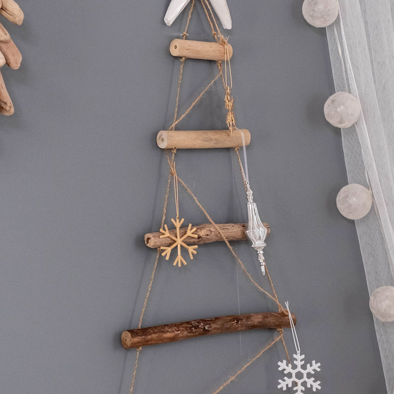 流木のクリスマスアイテム