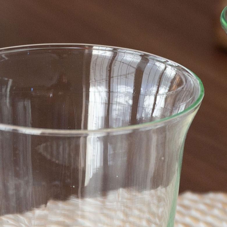 再生ガラスを使用