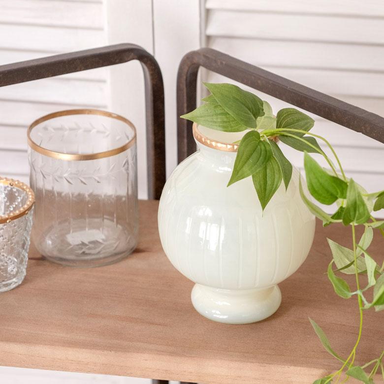 レトロな雰囲気のガラスベース