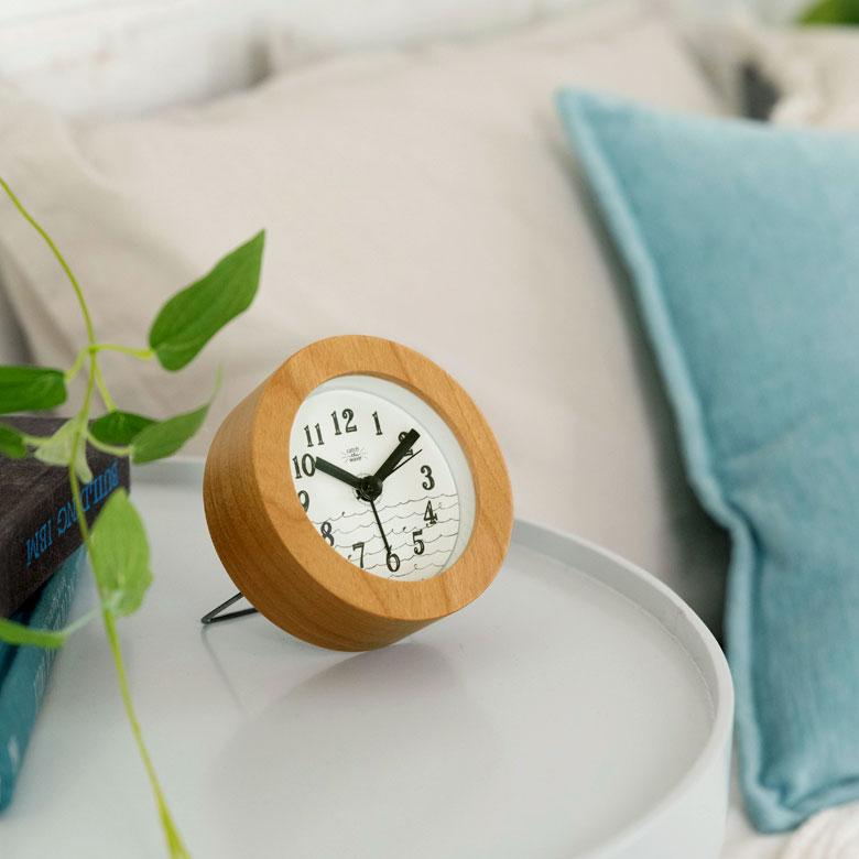 ウッドフレーム×マリンテイストコンパクト置時計