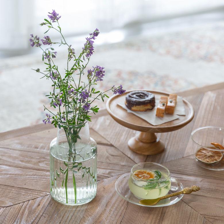 リビングテーブルや玄関に飾りやすい