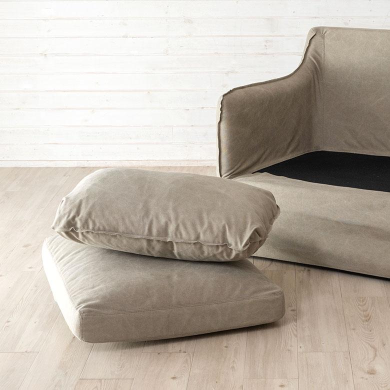 フェザークッションの二人掛けソファ[グレー/カーキ]