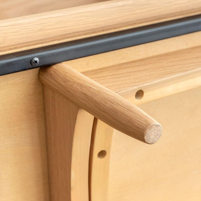 設置面も木製です。